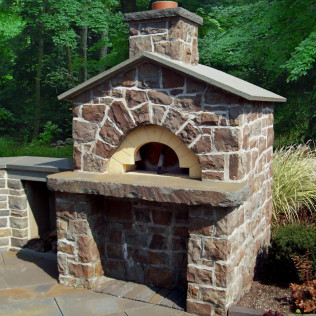 Mossy Hill Veneer with Alcove Bluestone Hearth